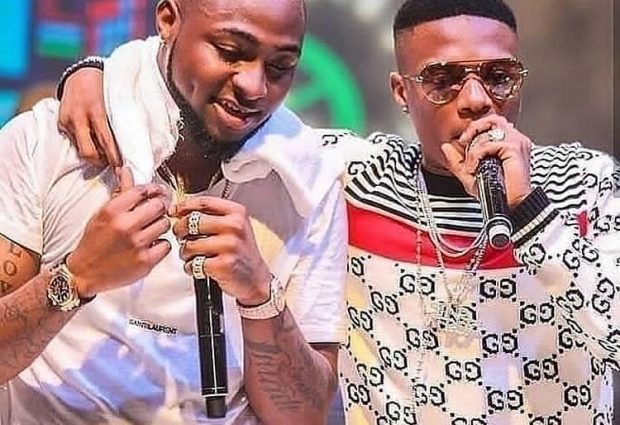 Davido reacts as Wizkid congratulates him on welcoming his first son