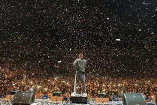 Wizkid rocks N2.3m jacket for O2 concert (photos,videos)